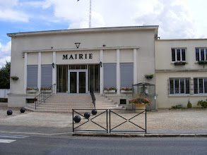 Photo: The Town Hall here is pretty nondescript, and the town is shuttered up tight early on this Sunday afternoon. so I hop right back on the train to Paris.