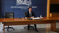Francisco Góngora, alcalde de El Ejido, durante el desarrollo de la sesión plenaria telemática en El Ejido.