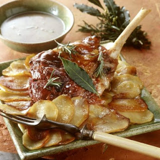 Roast Lamb with Sliced Potatoes