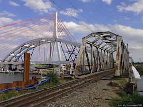Photo: Nowy (jeszcze na barkach) i stary most kolejowy {szlak Wisła Most - Gdańsk Port Północny; 2015-07-22}