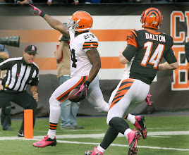 Photo: Sheldon Brown returns an interception for a touchdown. (Chuck Crow, The Plain Dealer)