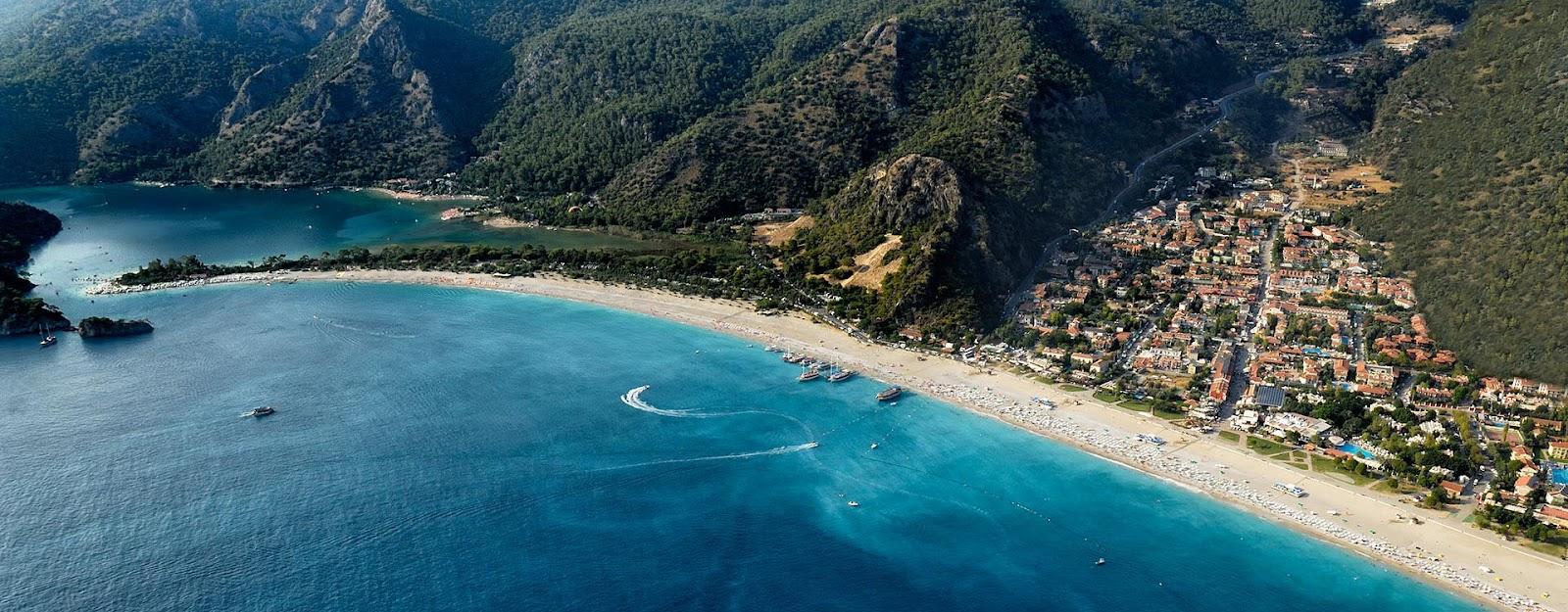 Oludeniz-beach-Fethiye-Turkey.jpg