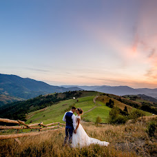 Wedding photographer Andrіy Opir (bigfan). Photo of 17.12.2017