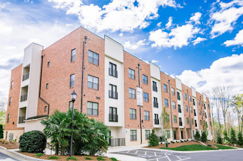 2918 North at Winstead Commons Apartments