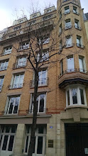 Photo: Building mom lived in while studying abroad in Paris
