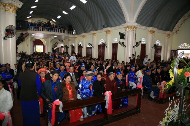 GP Phát Diệm: Gần 300 cặp vợ chồng mừng kỷ niệm thành hôn