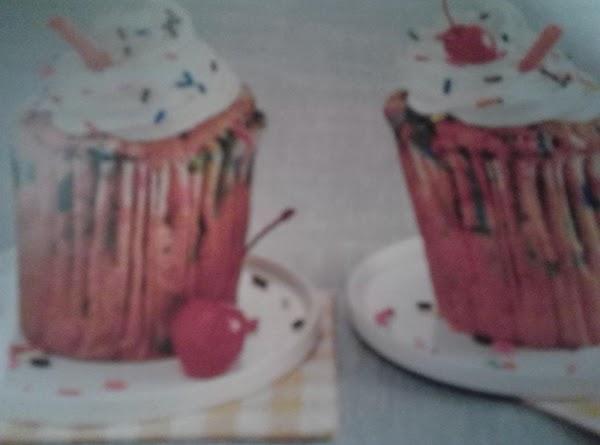 Strawberry Milkshake Cupcakes Recipe