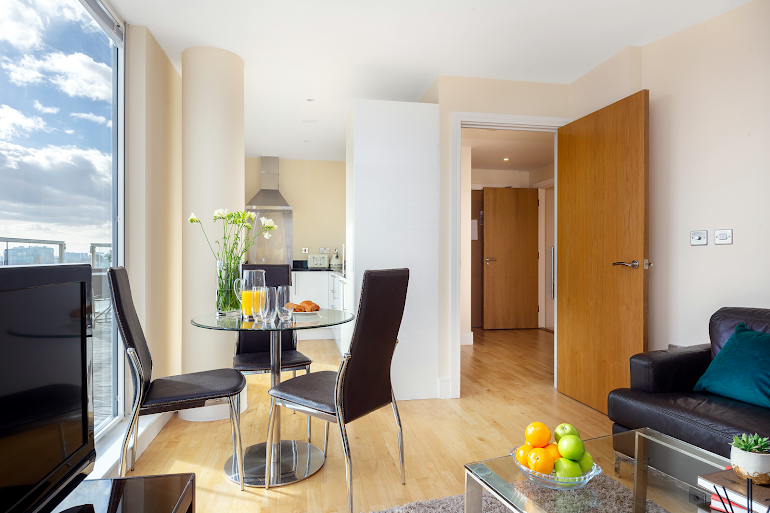 Dining space at Lanterns Court Serviced Apartments, Canary Wharf