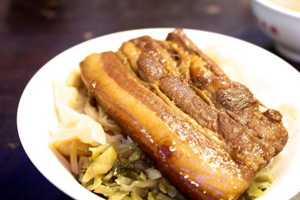 龍恩焢肉飯