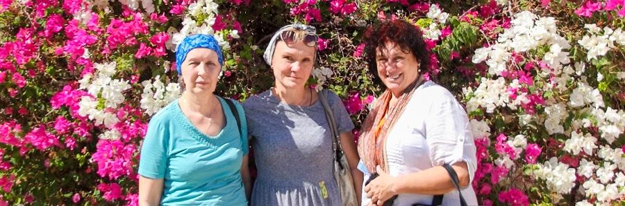 Гид в Израиле Светлана Фиалкова с туристами.