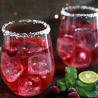 Cranberry Mojitos Cocktail.