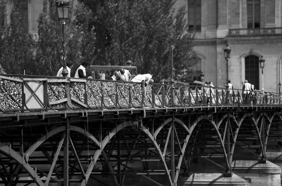 Paris'in Aşk Kilitlerine Hollanda'dan Talip