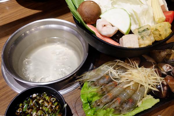 樂崎火鍋 ♥ 吃了3次才愛上的爆紅排隊店,龍蝦七仙女打響名號,海鮮有夠青!
