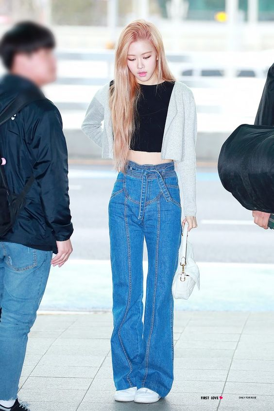 BLACKPINK Rose jeans 5