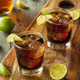 Classic Cuba Libre Cocktail