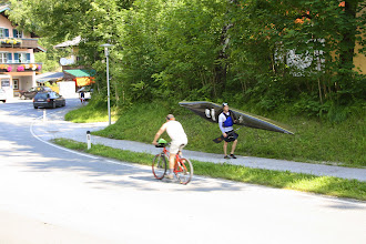 Photo: Canoeists in Lofer