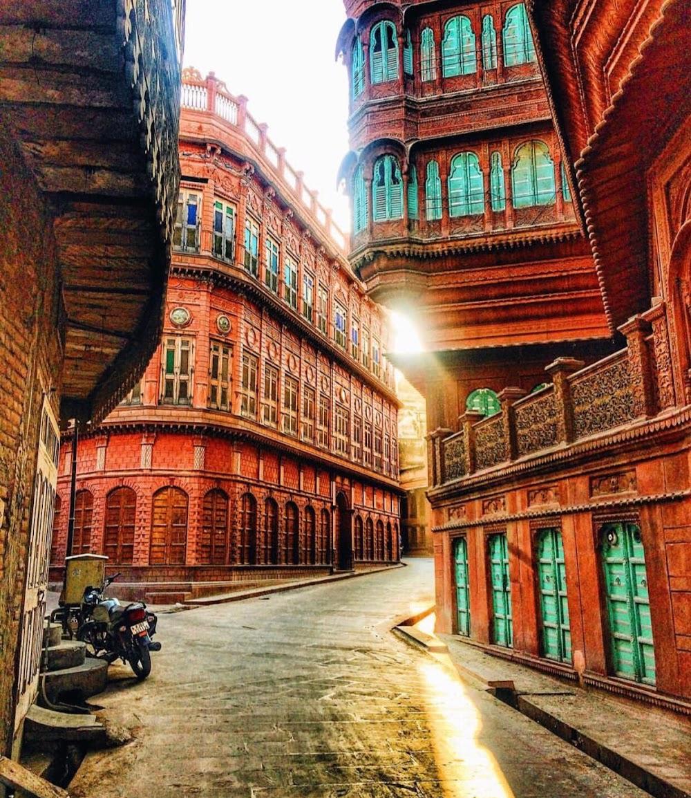 travelogged-17-things-to-do-bikaner-rampuria-haveli_image