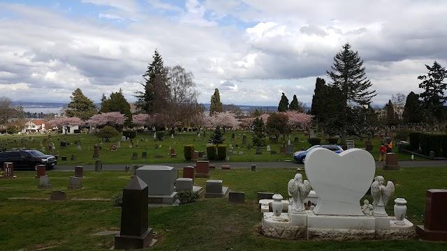 Bruce Lee and Brandon Lee Grave Sites