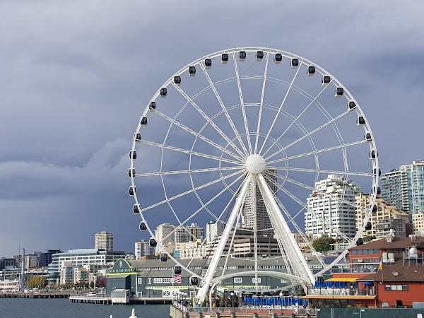 Popular tourist site The Seattle Great Wheel in Seattle
