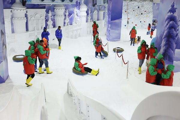 Popular tourist site Snow Kingdom (Mumbai) in Mumbai
