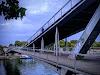 Use Waze to navigate to Passerelle Simone-de-Beauvoir Paris