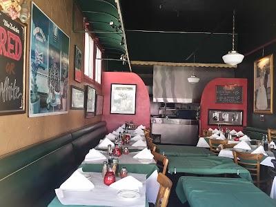 Sodini's Green Valley Restaurant Parking - Find Cheap Street Parking or Parking Garage near Sodini's Green Valley Restaurant | SpotAngels