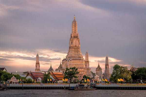 Popular tourist site Wat Arun Ratchavararam in Bangkok