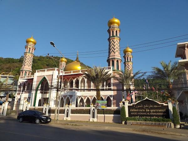 Popular tourist site Masjid Aonang Al-Munuawarah in Krabi