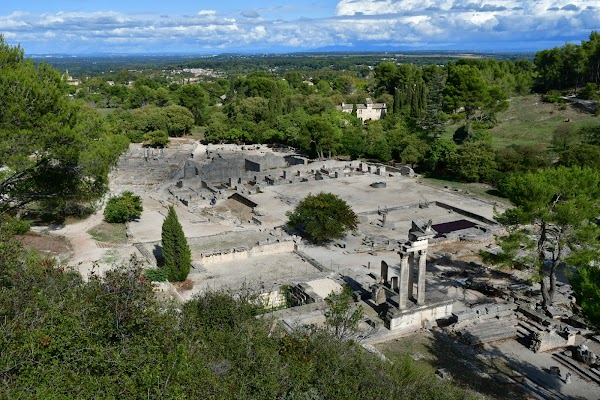 Popular tourist site Site Archéologique de Glanum in Provence