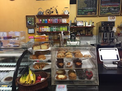 Cup & Cake Cafe Parking - Find Cheap Street Parking or Parking Garage near Cup & Cake Cafe | SpotAngels