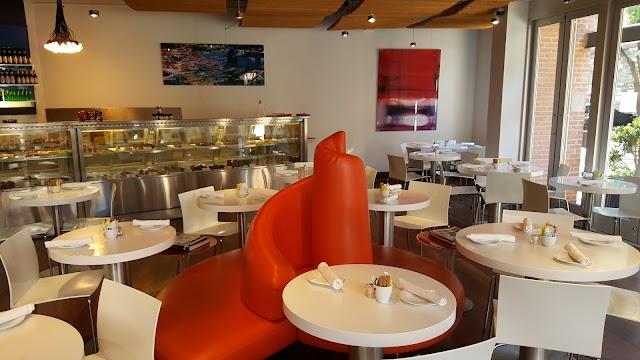 Leopold's Kafe Restaurant