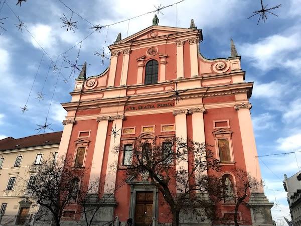 Popular tourist site Cerkev Marijinega oznanjenja in Ljubljana