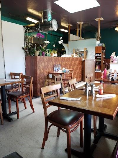 Sea Breeze Restaurant Parking - Find Cheap Street Parking or Parking Garage near Sea Breeze Restaurant | SpotAngels
