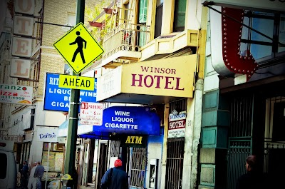 Hotel Windsor Parking - Find Cheap Street Parking or Parking Garage near Hotel Windsor | SpotAngels