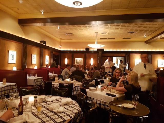 Gibsons Bar & Steakhouse