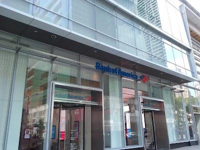 Bank Of America Tower Parking - Find Cheap Street Parking or Parking Garage near Bank Of America Tower   SpotAngels