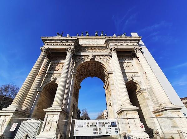 Popular tourist site Arco della Pace in Milano