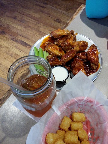 Pluckers Wing Bar image