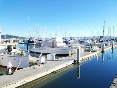 Golden Gate Yacht Club Parking - Find Cheap Street Parking or Parking Garage near Golden Gate Yacht Club   SpotAngels