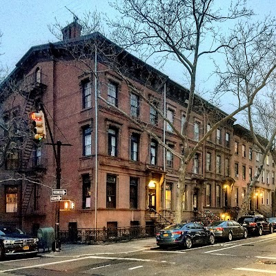 Cobble Hill Parking - Find the Cheapest Street Parking and Parking Garage near Cobble Hill | SpotAngels