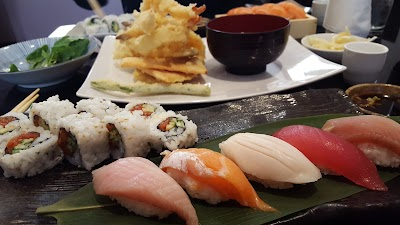 Mizutani Sushi Bar Parking - Find Cheap Street Parking or Parking Garage near Mizutani Sushi Bar | SpotAngels