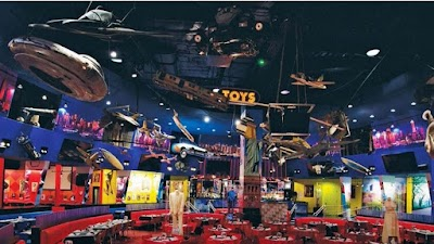 Planet Hollywood Parking - Find Cheap Street Parking or Parking Garage near Planet Hollywood | SpotAngels
