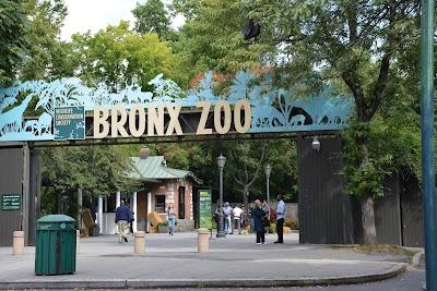 Bronx Zoo Parking - Find Cheap Street Parking or Parking Garage near Bronx Zoo | SpotAngels