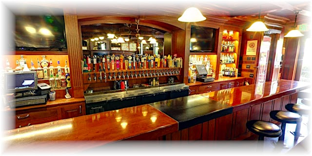 Hank's Bar and Grill image