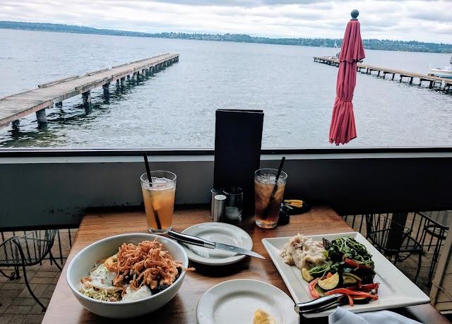 BeachHouse bar + grill