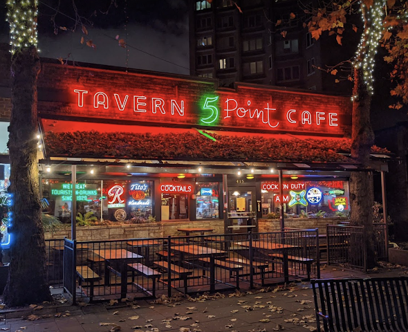 The 5 Point Cafe | Open 24 Hours