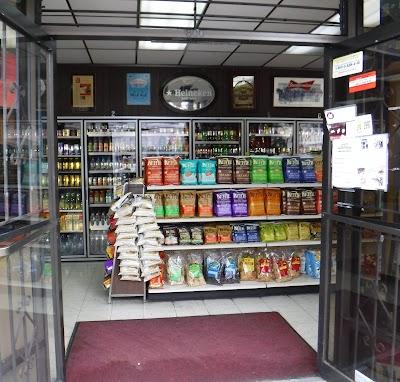 Rhea's Deli & Market Parking - Find Cheap Street Parking or Parking Garage near Rhea's Deli & Market | SpotAngels