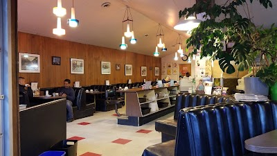 Jim's Restaurant Parking - Find the Cheapest Street Parking and Parking Garage near Jim's Restaurant | SpotAngels