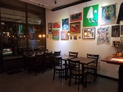 Benyam Ethiopian Cuisine Parking - Find Cheap Street Parking or Parking Garage near Benyam Ethiopian Cuisine | SpotAngels