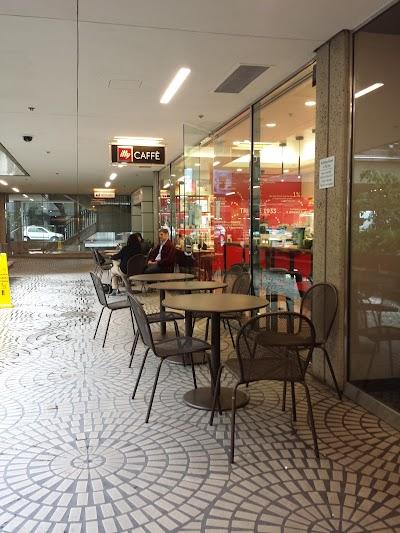 Illy Caffè Parking - Find Cheap Street Parking or Parking Garage near Illy Caffè | SpotAngels